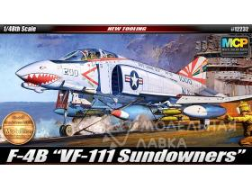Самолёт F-4B Sundowners
