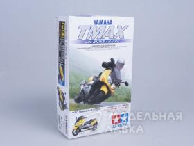 Yamaha TMAX with Rider Figure (scooter)